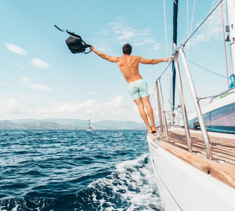 PLAN A YACHTING ADVENTURE