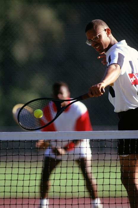 TENNIS - THE PSYCHOLOGY OF SINGLES AND DOUBLES